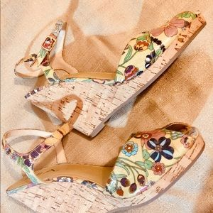 SANDALS•FLORAL WEDGES🌺MIA